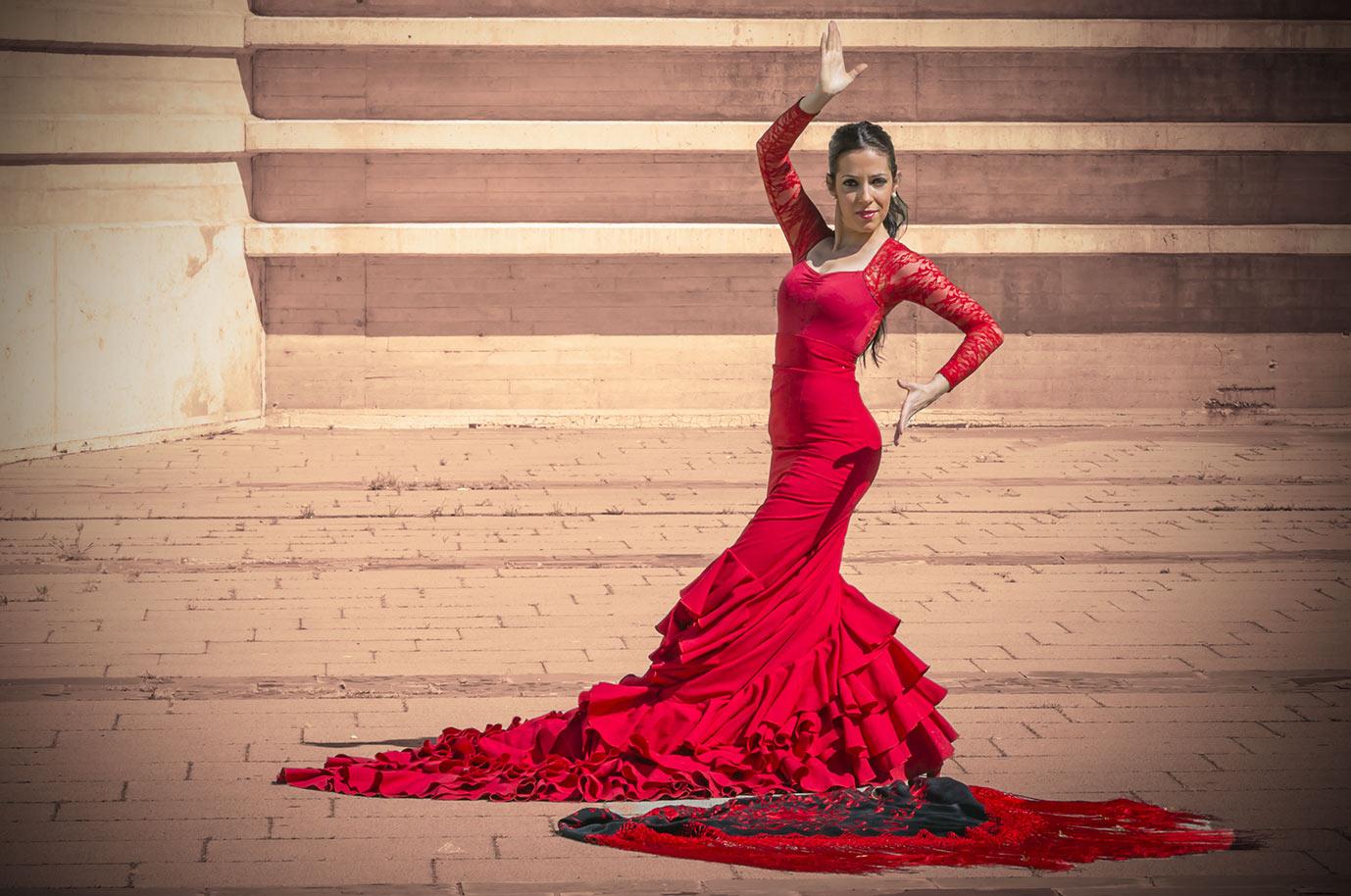 Sara Hernández profesora Flamenco Academia Danza Abanicos
